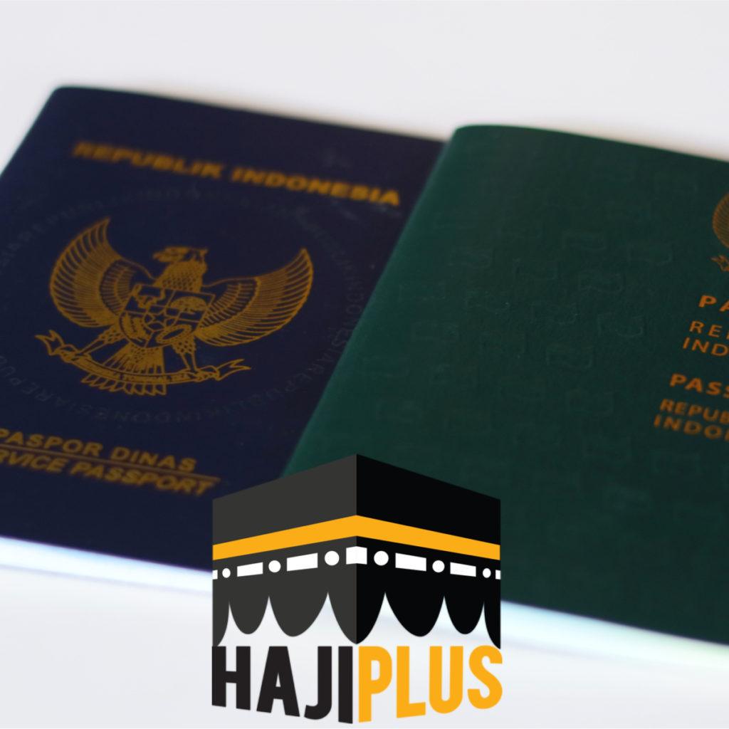Jangan lupakan dokumen penting seperti paspor, KTP serta jika perlu bawa juga buku doa yang bisa Anda amalkan
